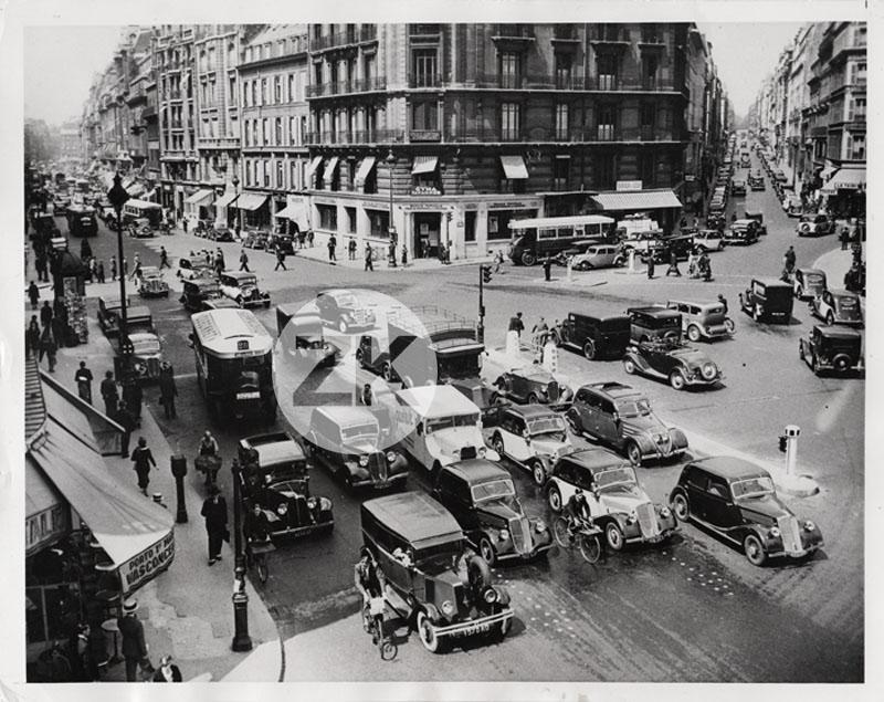 paris ville voitures traffic place de la trinit cars bus citro n photo 1936 ebay. Black Bedroom Furniture Sets. Home Design Ideas